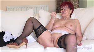 auntjudys-21-06-02-seducing-auntie-linda-and-jerk-off-instruction.jpg