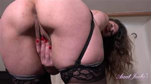 auntjudys-21-06-06-felicity-after-dinner-teasing-and-masturbation-show.jpg