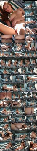 errotica-archives  2014-12-09 lilly - pianino x99 3370x5054 errotica-archives 06240