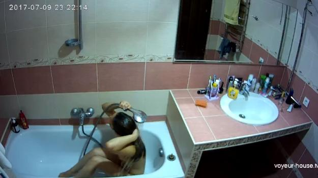 Voyeur-house.tv- Raya late bath july 9