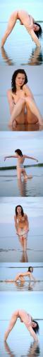 Met-Art MA 20080802 - Adriana A - Presenting - by Sergey Goncharov met-art 06280